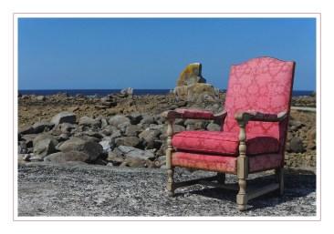 rochers et fauteuil à Poulennou