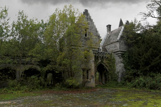 château Miranda passage vers les écuries