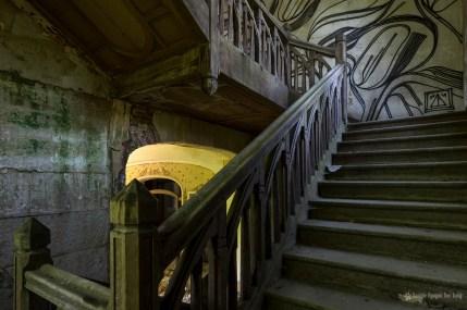 manoir colimaçon montée d'escalier 01 copie