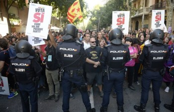 ob_5c5c3c_catalogne-repression