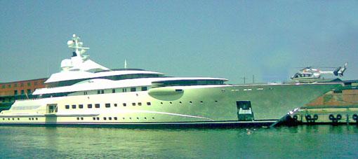 yacht-expensive-dubai
