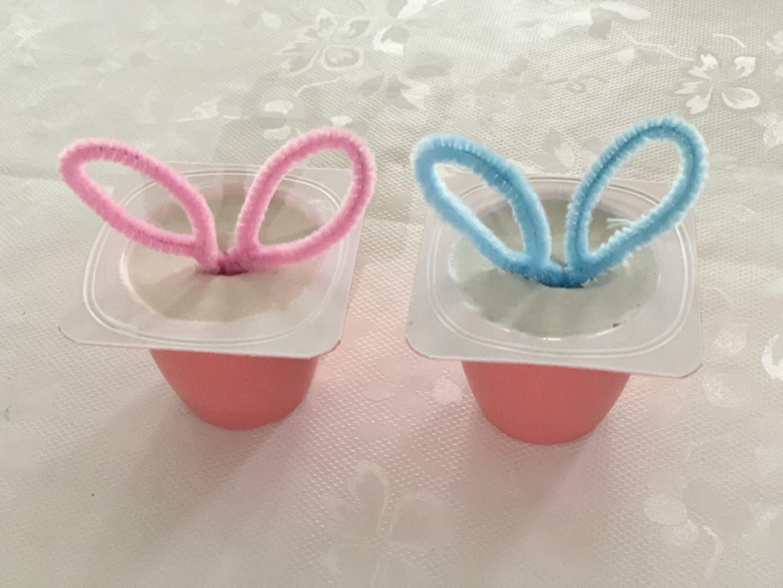DIY Easter bunnies from plaster of Paris