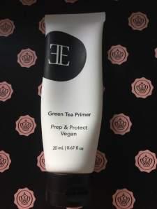 Glossy box unboxing January 2018 Evelyn Iona cosmetics green tea primer
