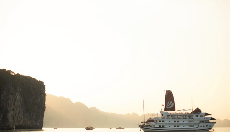 Bhaya Group launches new exotic itineraries on Halong Bay