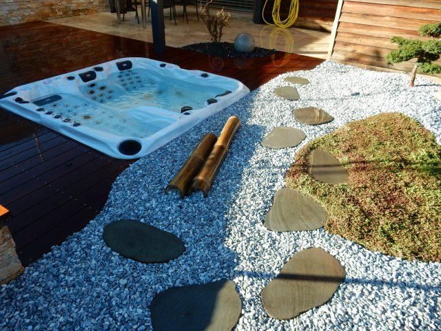 Un spa aménagé par Lattion & Veillard paysagiste piscine et spa dans le Valais