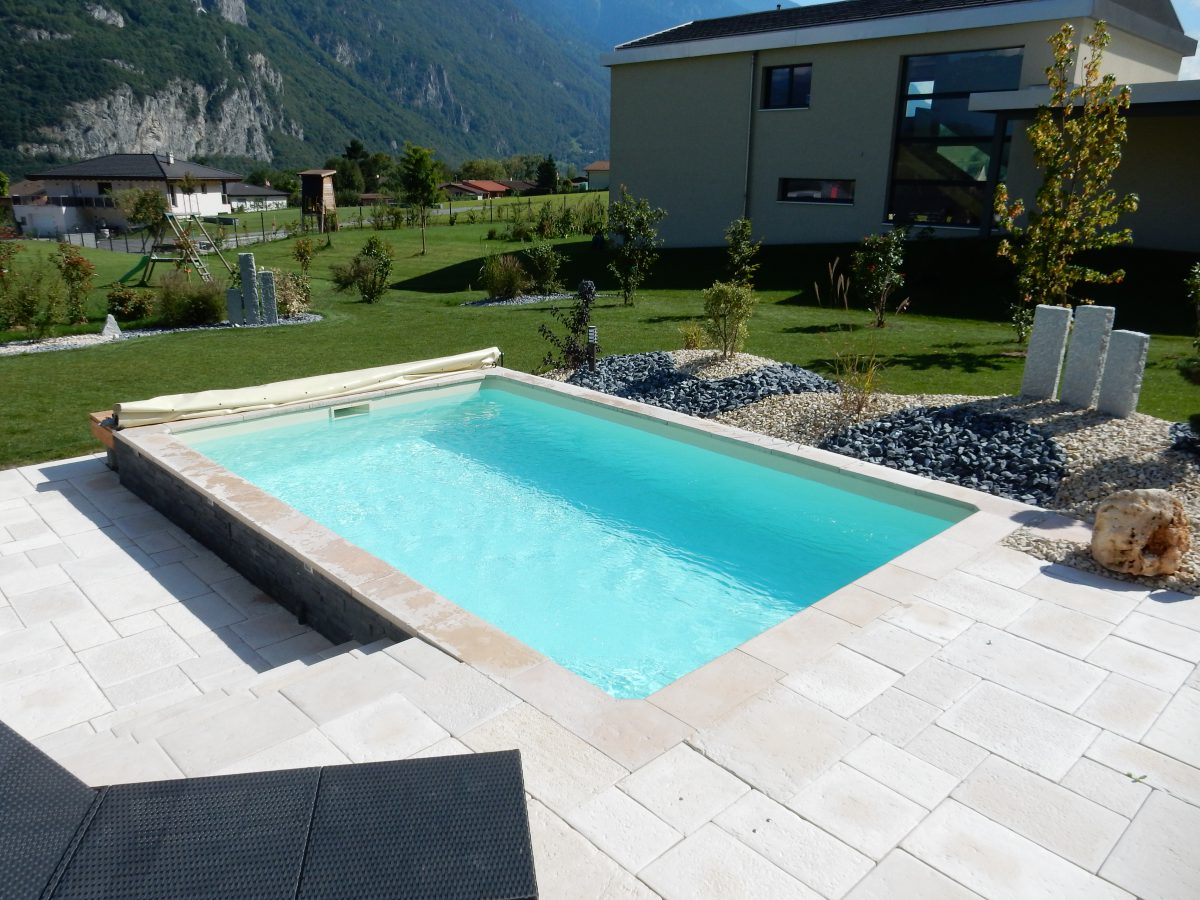 piscine beton semi enterree. Black Bedroom Furniture Sets. Home Design Ideas