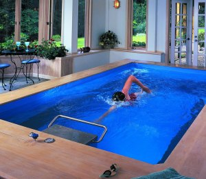Piscine avec nage à contre courant pour natation dans les cantons du Valais, Vaud et Fribourg