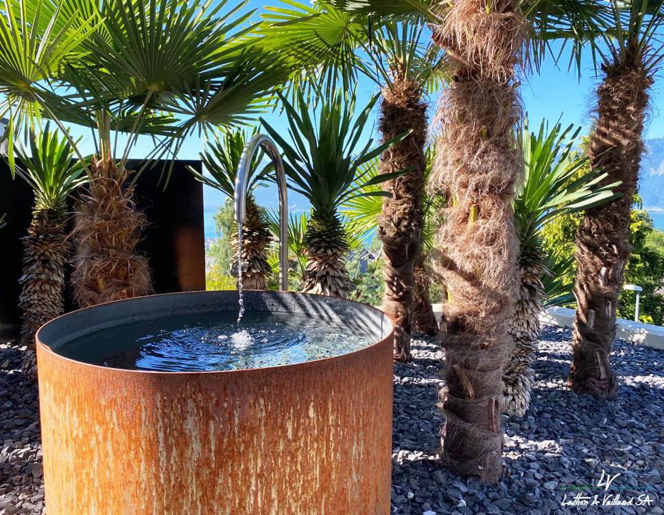Fontaine en acier