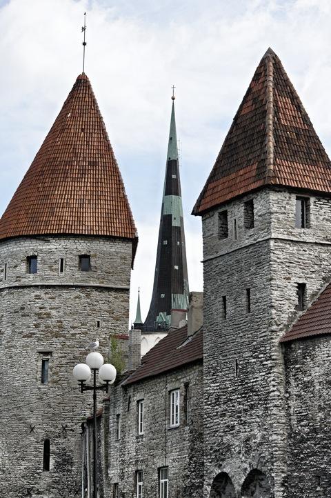 Bild: Unterwegs am Tornide Väljak - dem Platz der Türme - in Tallinn mit NIKON D700 und AF-S NIKKOR 28-300 mm 1:3,5-5,6G ED VR.