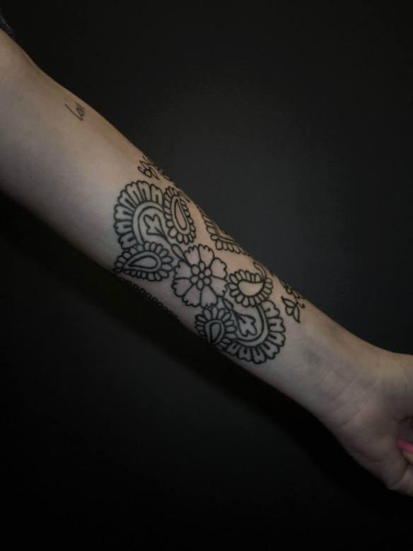 tatouage tias bras