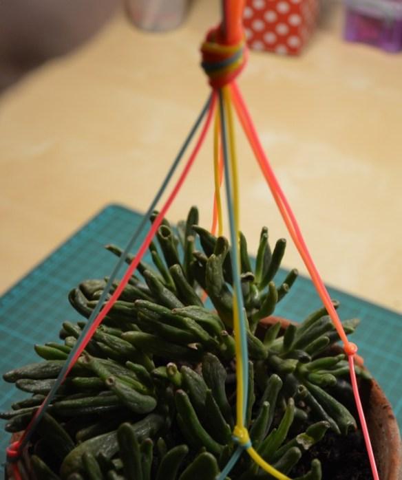 suspension-plantes-scoubidou-tutoriel-diy