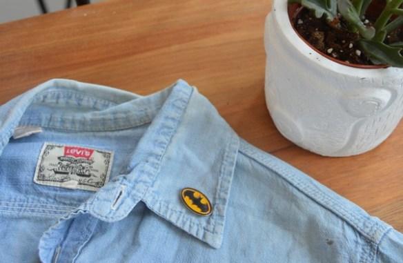 chemise-levis-vintage-jeans-customiser-pins-batman-blogueuse-mode