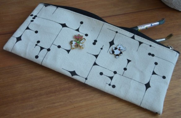 trousse-customiser-pins-blogueuse-mode-vintage