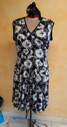 Cousue par Caroline P. Haut de la robe Ashley avec élément ceinture et jupe de la robe Lexie