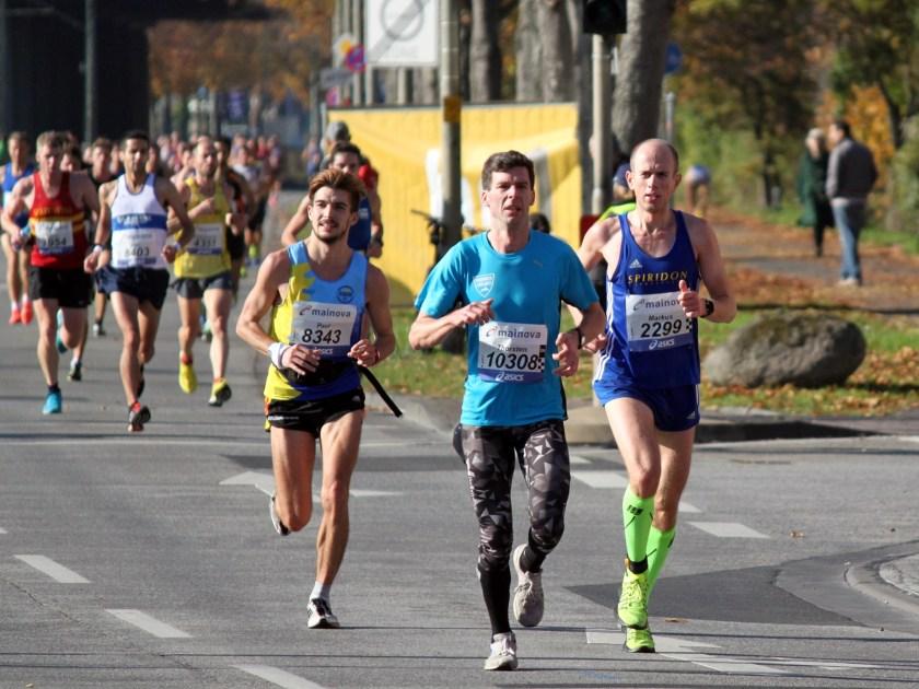 laufen-hilft_frankfurt-marathon-2016_3