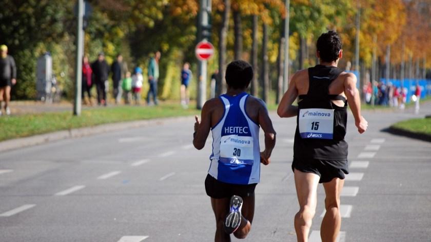 frankfurt-marathon-impressionen-bilder-laufen-hilft_6