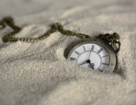 pocket watch, time of, sand
