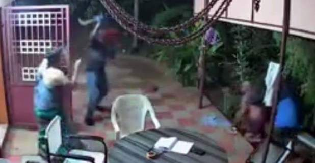 Elderly couple bravely chased away robbers using slippers, plastic chairs in Tamil Nadu