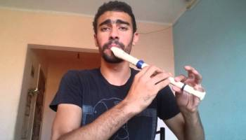 Musician Shreds a Serious Recorder Solo During an Orchestral