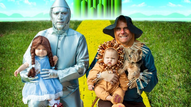 two fathers with twins create amazing pop culture halloween costumes for their adorable family