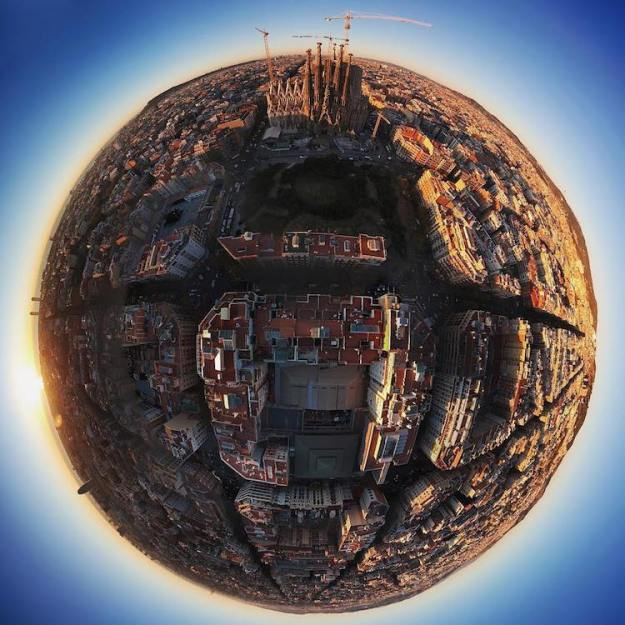 barcelona-panoramic-360 Gorgeous 360° Panoramic Area Photos That Look Like Tiny Globes With Barcelona, Spain at Center Random