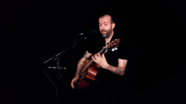 jon-gomm-high-and-dry A Poignantly Lush Acoustic Fingerstyle Cover of the Iconic Radiohead Song 'High and Dry' Random