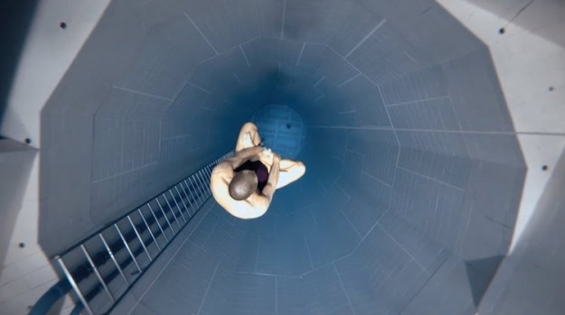 worlds-deepest-lotus-stig-pryds-nemo33 Champion Freediver Floats to the Bottom of a 33 Meter Pool In a Seated Lotus Position On One Breath Random