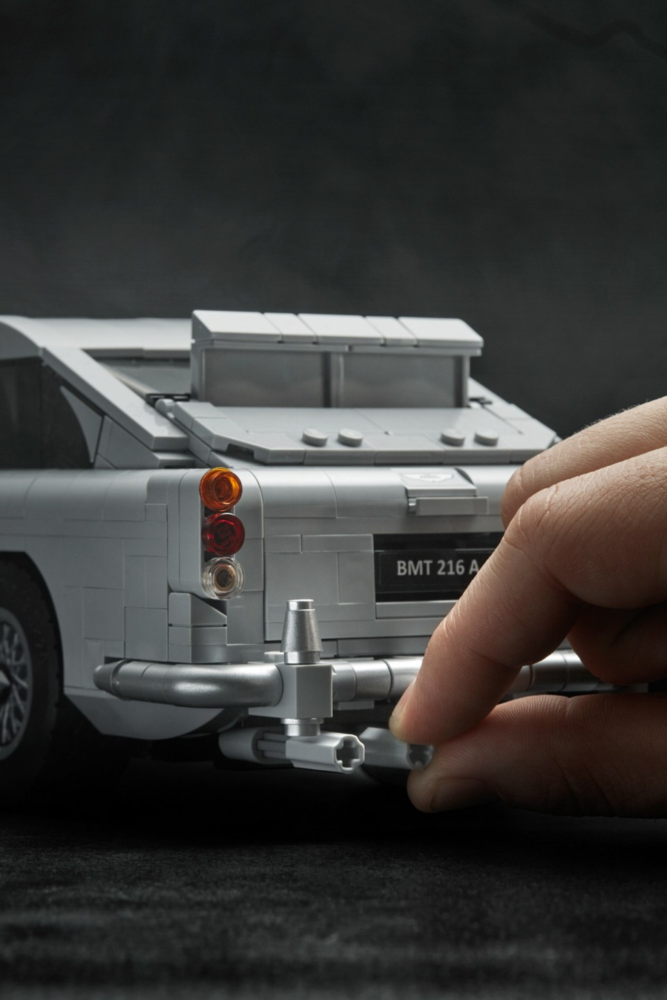 2018 LEGO Creator Expert James Bond Aston Martin DB5 Front Driver Side