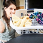 Woman Without Arms or Legs Shows How She Folds Laundry and Performs Other Household Tasks