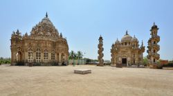 Forgotten Beauty of India – Part Seven On Laughter Mania Mahabat Maqbara