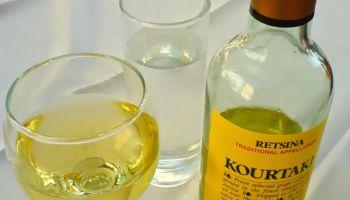 retsina vino griego