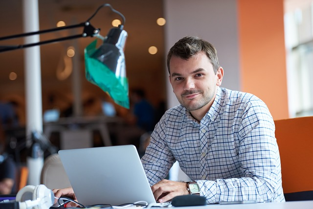 entrepreneur-2326419_640