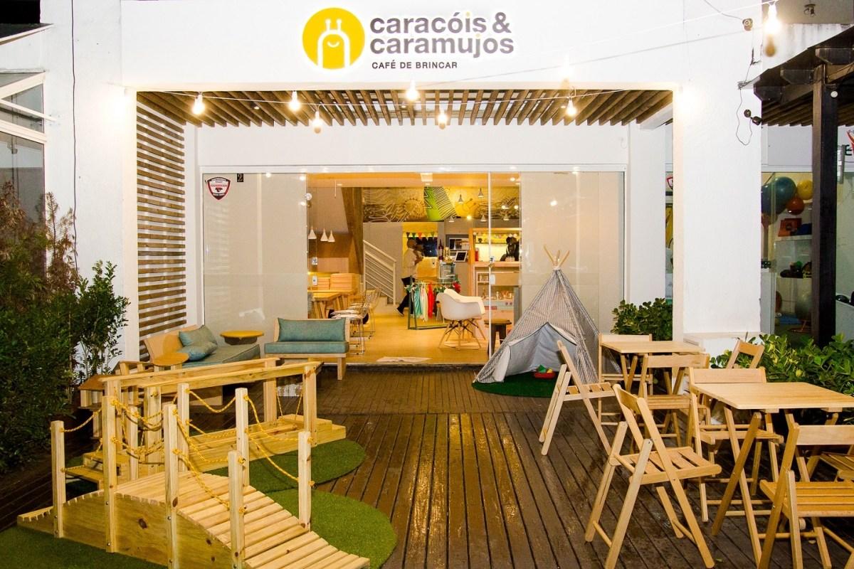 Um café e uma papinha: Caracóis & Caramujos Café de Brincar inaugura em Florianópolis com proposta inovadora
