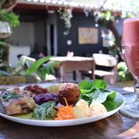 Bons e baratos: 16 opções de restaurantes para comer e beber sem gastar demais em Florianópolis