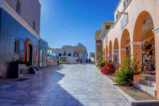 Street in Oia, Santorini - Hike From Fira to Oia - www.lauraenroute.com