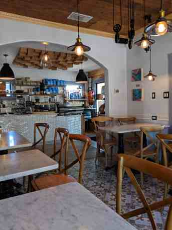 CommonWealth Coffeehouse - www.lauraenroute.com