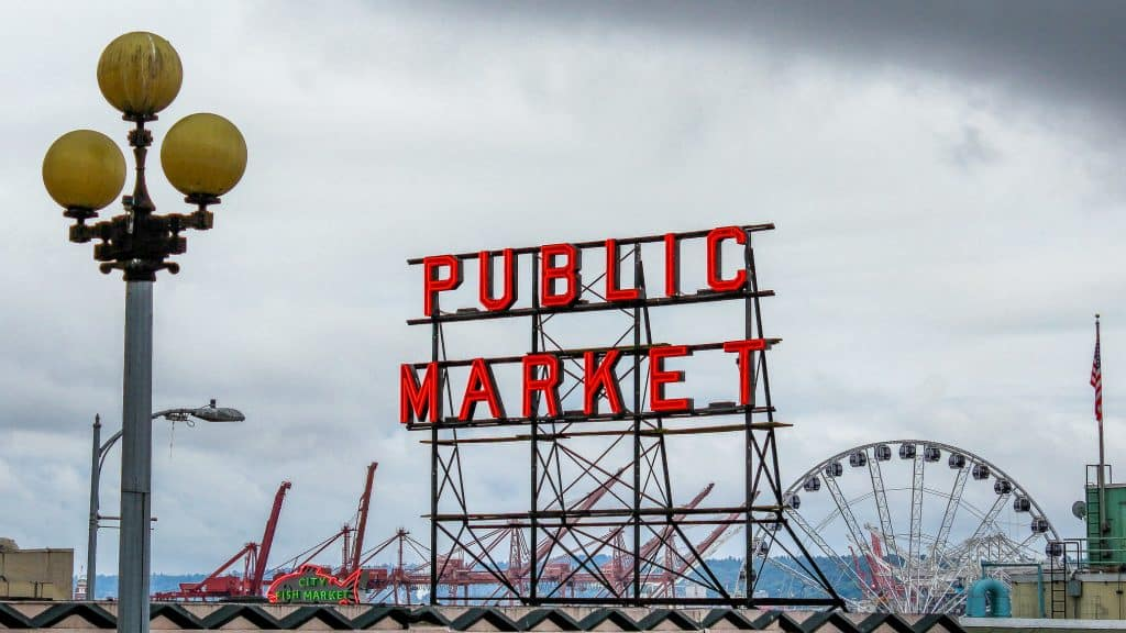 Pike's Market Place, Seattle - www.lauraenroute.com