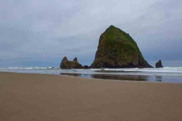 Haystack Rock, Cannon Beach, OR - www.lauraenroute.com