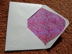 Envelope insert to contrast with pattern