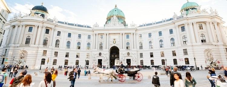 csm_4_Hofburg-10__c__VIENNA_SIGHTSEEING_TOURS_Bernhard_Luck_b_333a5a012a.jpg