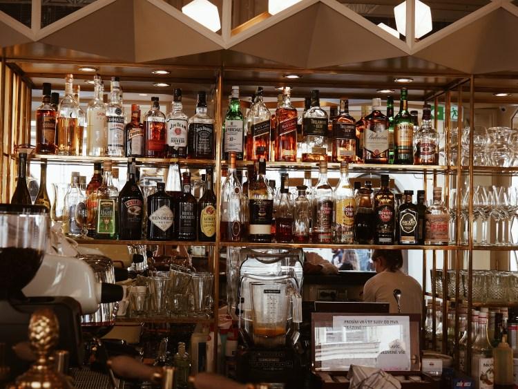 Cerna Madona Restaurant Prag