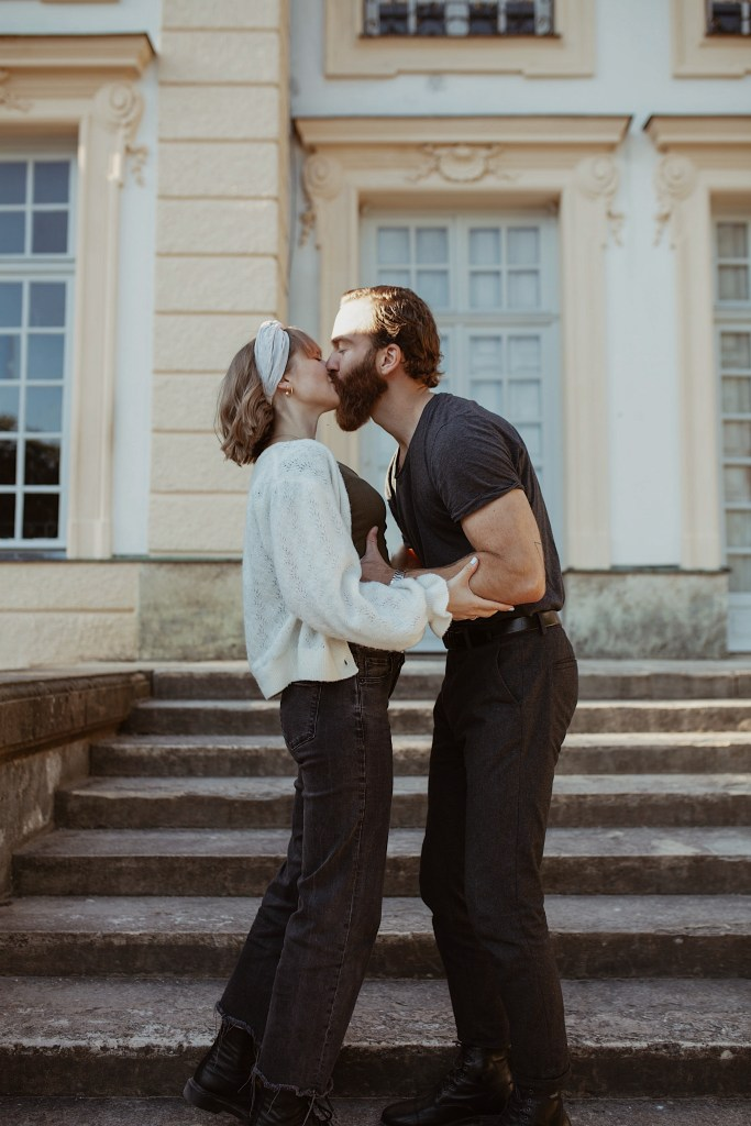 Couple Photography Kissing