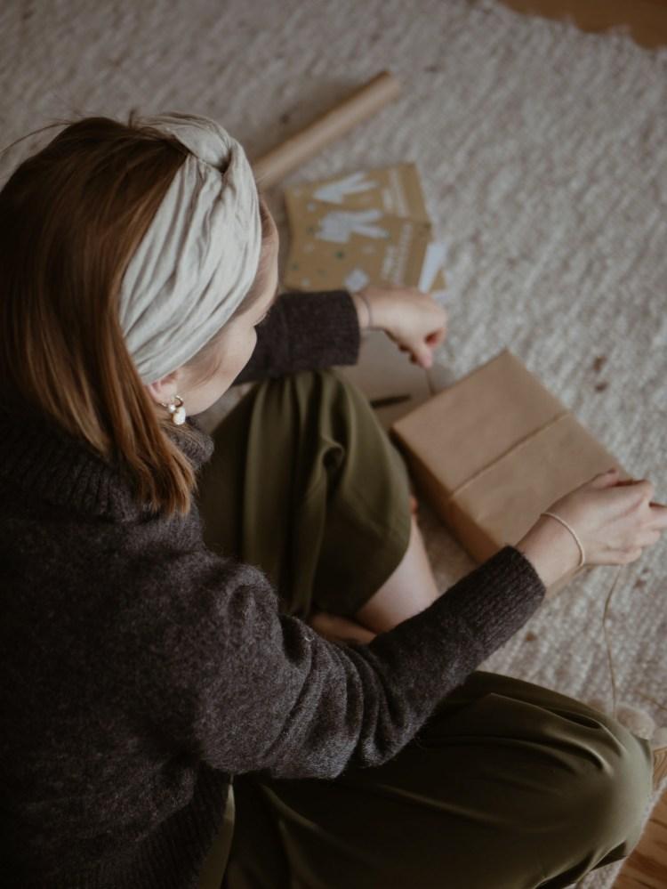 Tipps fuer Weihnachtsgeschenk-Verpackung