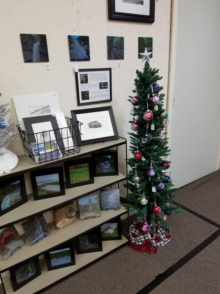 Laura Jaen Art shop space at Oldies But Goodies December 2019