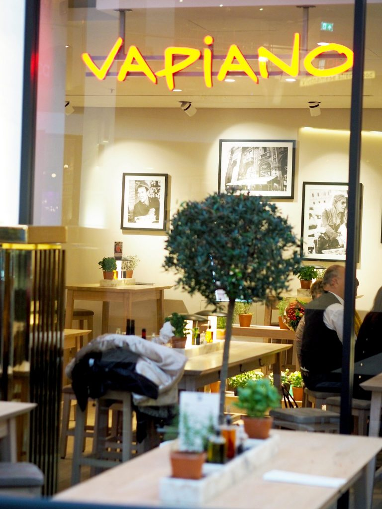 Laura Kate Lucas - Manchester based lifestyle and fashion blogger | Vapiano Vegan Menu Restaurant and Food Review