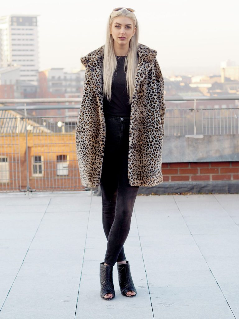 Laura Kate Lucas - Manchester Fashion and Lifestyle Blogger   Outfit Post Featuring Vans, Misguided and Zara
