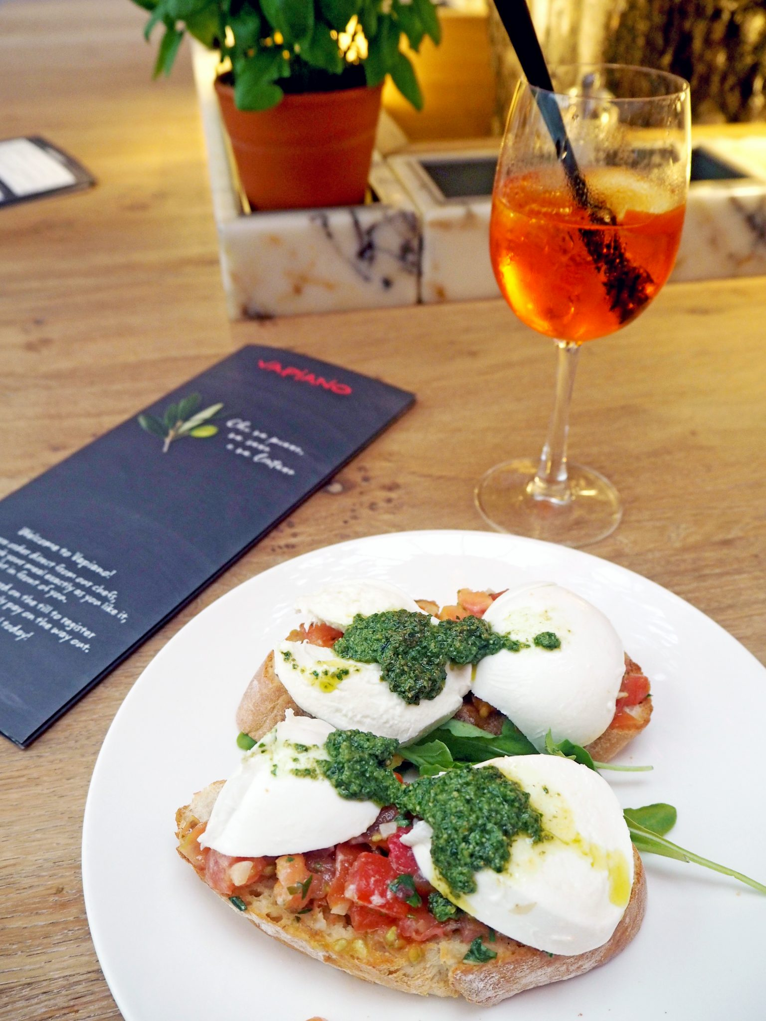 Laura Kate Lucas - Manchester Food, Fashion and Lifestyle Blogger | Vapiano Italian Restaurant Review