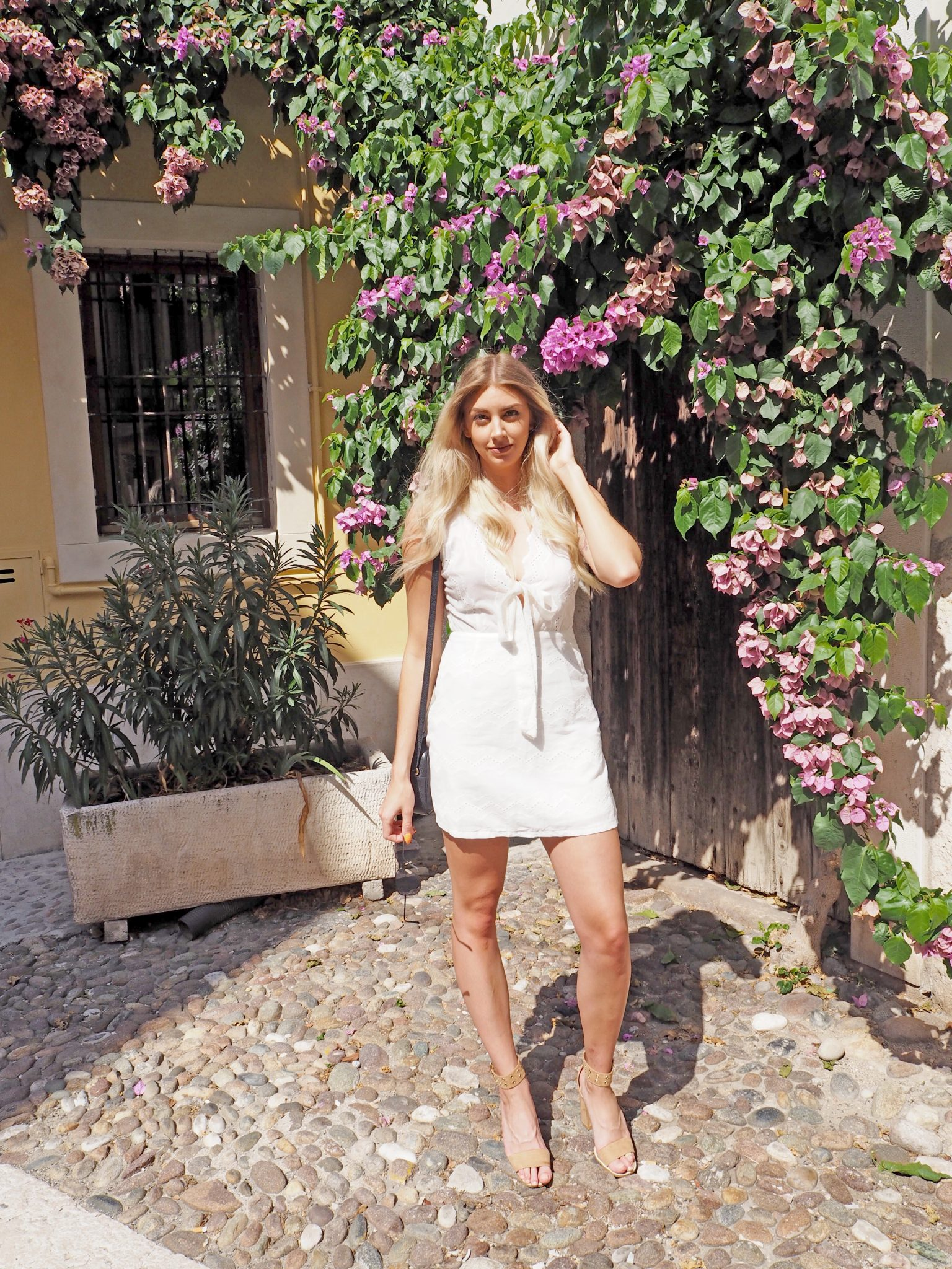 Laura Kate Lucas - Manchester Fashion, Travel and Lifestyle Blogger | Verona Italy Outfit Travel Dress