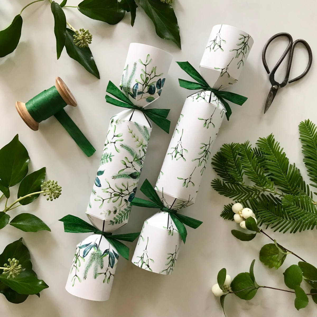 best crackers, best Christmas crackers, 2021, sustainable, eco, environmentally, friendly, green, plastic free, zero waste, recycled, recyclable, christmas, crackers, bon bons, Christmas crackers with seeds inside, crackers with seeds inside, Christmas crackers with seeds, beautiful Christmas crackers, beautiful crackers
