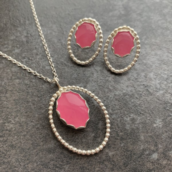 Pink jade pendant and earrings